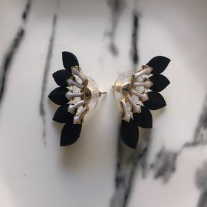 Stella & Dot Feather Stud Earrings.